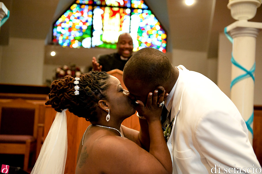 Wedding photography of Villardia Telusnord and Jermaine Shepherd - wedding in Fort Lauderdale, FL, Wedding in South Florida from Lisette and Alessandro Di Sciascio of Di Sciascio Photography, South Florida wedding photography from Fort Lauderdale wedding photographers.